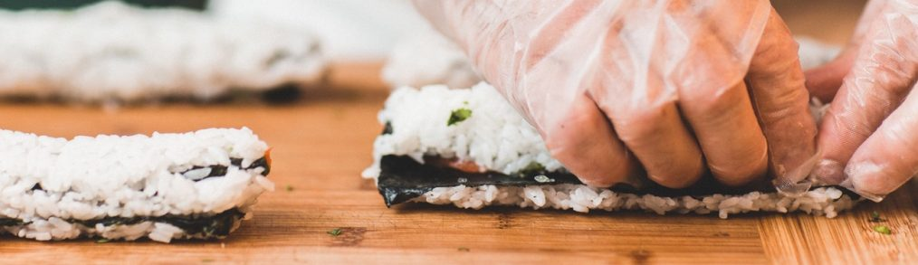beginner's guide to making sushi at home